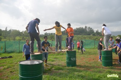 Outbound Training - Drums and Planks